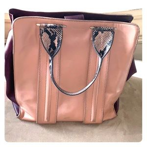Pour la victoire genuine leather handbag